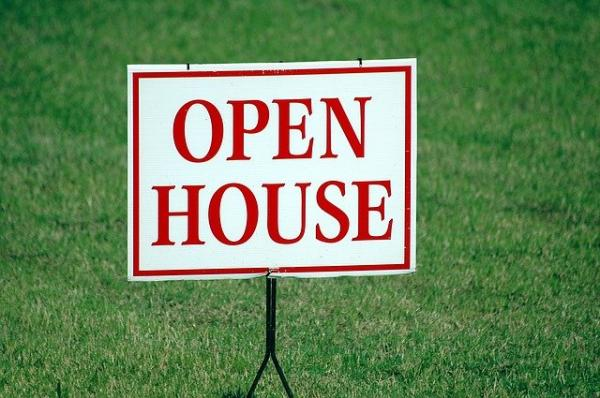 Pros And Cons Of Having An Open House