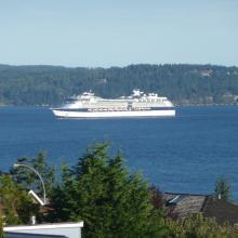 Cruise ship leaving Nanaimo